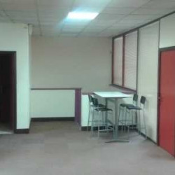 Location Bureau Voisins-le-Bretonneux 161,58 m²