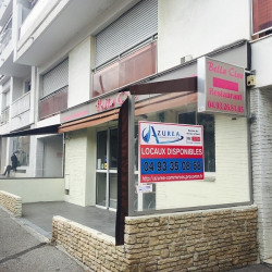 Location Local commercial Saint-Laurent-du-Var 83 m²