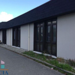 Vente Local commercial Saint-Genis-Pouilly 0 m²
