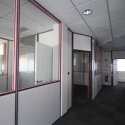Location Bureau Izernore 146 m²