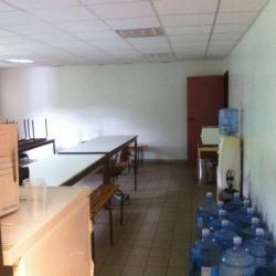 Location Entrepôt Rogerville 1844 m²