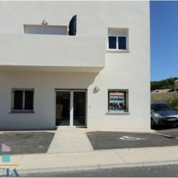 Location Local commercial Béziers 81,22 m²