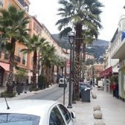 Location Local commercial Grasse 30 m²