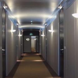 Location Bureau Le Mesnil-le-Roi 877 m²