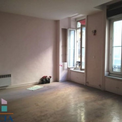 Location Local commercial Marseille 1er 79,35 m²