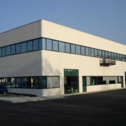 Location Local commercial Champagne-au-Mont-d'Or 696 m²