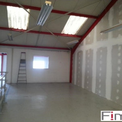 Location Local d'activités Saclay 460 m²