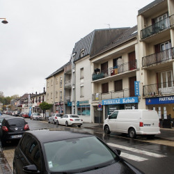 Location Local commercial Pontault-Combault (77340)
