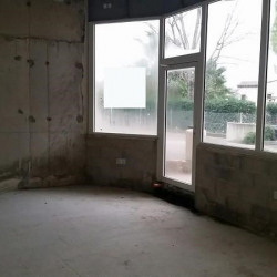 Location Local commercial Grasse 100 m²