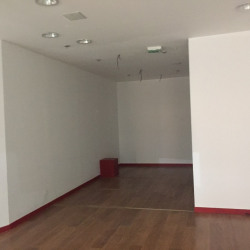 Location Local commercial Senlis 75 m²