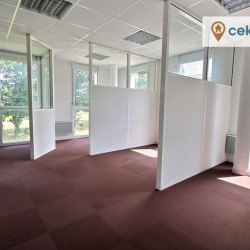 Location Bureau Plescop 185 m²