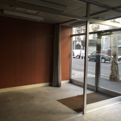 Location Local commercial Clichy 44 m²