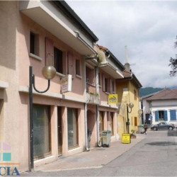 Location Local commercial Cluses 0 m²