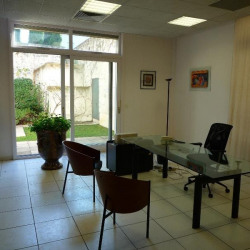 Location Bureau Avignon 90 m²