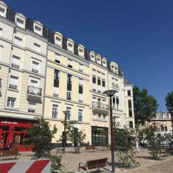 Location Local commercial Chaville 133 m²