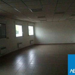 Location Bureau Eysines 85 m²