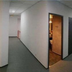 Location Bureau Vitrolles 136 m²