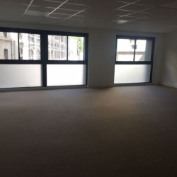 Location Local commercial Marseille 1er 132 m²