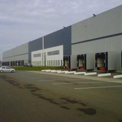 Location Entrepôt Durtal 18041 m²