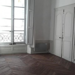 Location Bureau Nantes 58 m²