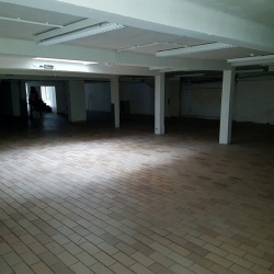 Location Local commercial Cannes 390 m²