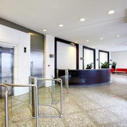 Location Bureau Montigny-le-Bretonneux 3974 m²