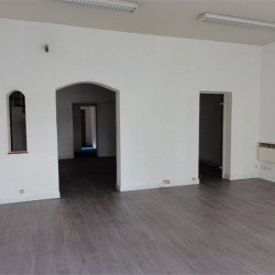 Location Local commercial Vichy 151 m²