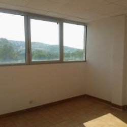 Location Bureau Saint-Laurent-du-Var 100 m²