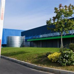 Location Entrepôt Herblay 5843 m²