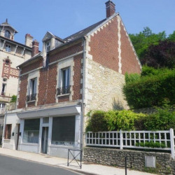 Location Local commercial Pierrefonds 90 m²