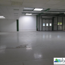 Location Local d'activités Saint-Thibault-des-Vignes 436 m²