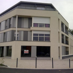 Location Local commercial Avrillé 77 m²
