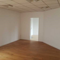 Location Bureau Le Pecq 77 m²