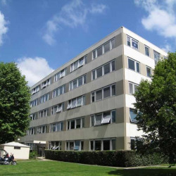 Location Bureau Élancourt 77 m²