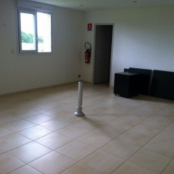 Location Local d'activités Thilouze 226 m²