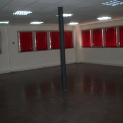 Location Bureau Caissargues 95 m²