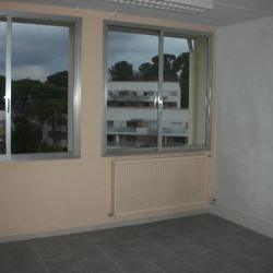 Vente Bureau Nîmes 120 m²