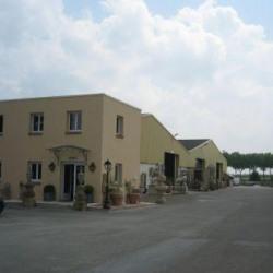 Location Entrepôt Houdan 13300 m²