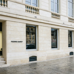 Location Local commercial Paris 7ème 121 m²