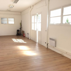 Location Local commercial Saint-André-de-la-Roche 45 m²