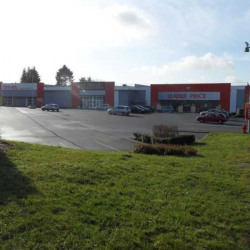 Location Local commercial Saint-Quentin 700 m²
