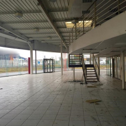 Location Local commercial Jaux 1712 m²