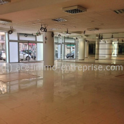 Location Local commercial Nice 304 m²