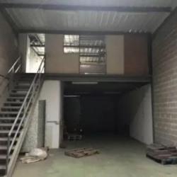 Location Local d'activités Les Essarts-le-Roi 110 m²