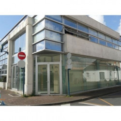 Location Local commercial Challans 94 m²