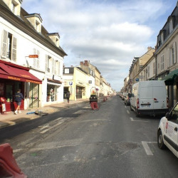 Location Local commercial Chantilly 35 m²