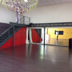 Location Local d'activités Bruges 247 m²
