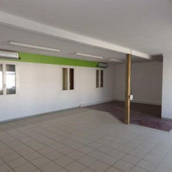 Location Local commercial Venelles 210 m²