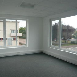 Location Bureau Le Petit-Quevilly 175 m²