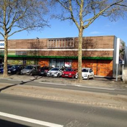 Location Local commercial Angers 500 m²